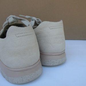 UGG Shoes - UGG SNEAKER SIZE 9 1/2